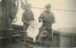 Andr� Van Torre en Henri Steyaert met vangst op de Z.520 De Drie Gebroeders (Bouwjaar 1926), author: Onbekend