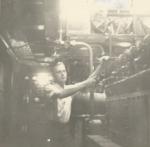 Andr� Van Torre in de machinekamer van de Z.562 Luc (Bouwjaar 1956)