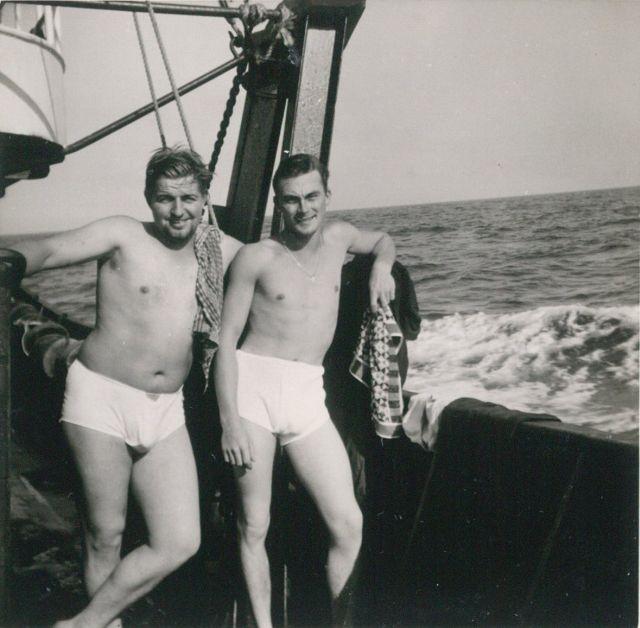 Na een douche op het dek van de Z.402 Atlantis (Bouwjaar 1963)