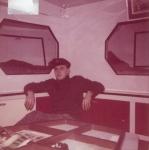 André Van Torre in de leefruimte van de Z.402 Atlantis (Bouwjaar 1963), author: Onbekend