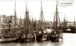 B.60, B.25 en andere schepen in haven Blankenberge