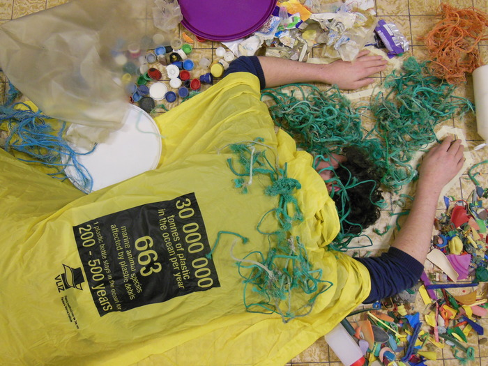 Researchers asking attention for plastic pollution in the oceans