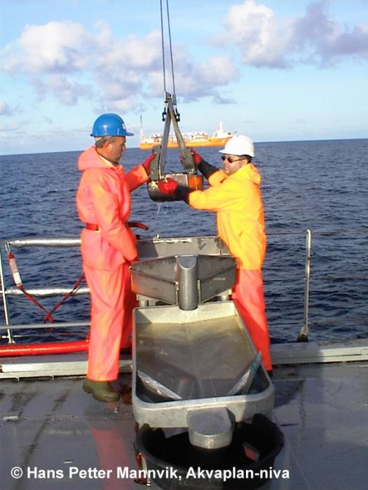 offshore grabbing