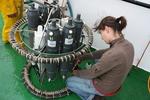Sara (UGent - Lab. Protistologie & Aquatische Ecologie) neemt waterstalen in functie van de Kaderrichtlijn Water (25.08.2010) [cruise info]