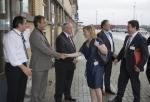 V.l.n.r: VLIZ-ondervoorzitter Colin Janssen, VLIZ-directeur Jan Mees, VLIZ-voorzitter gouverneur Paul Breyne en Vlaams diplomaat Axel Buyse verwelkomen de COREPER vertegenwoordigers.